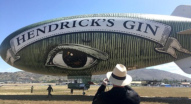 Hendricks-Gin-blimp_t658